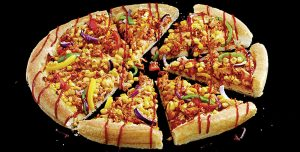 Pizza Hut britânica lança pizza vegan de jaca e queijo vegetal