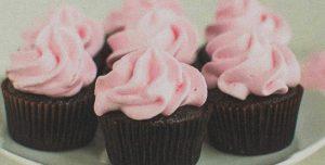 Cupcakes de chocolate vegan com creme de coco