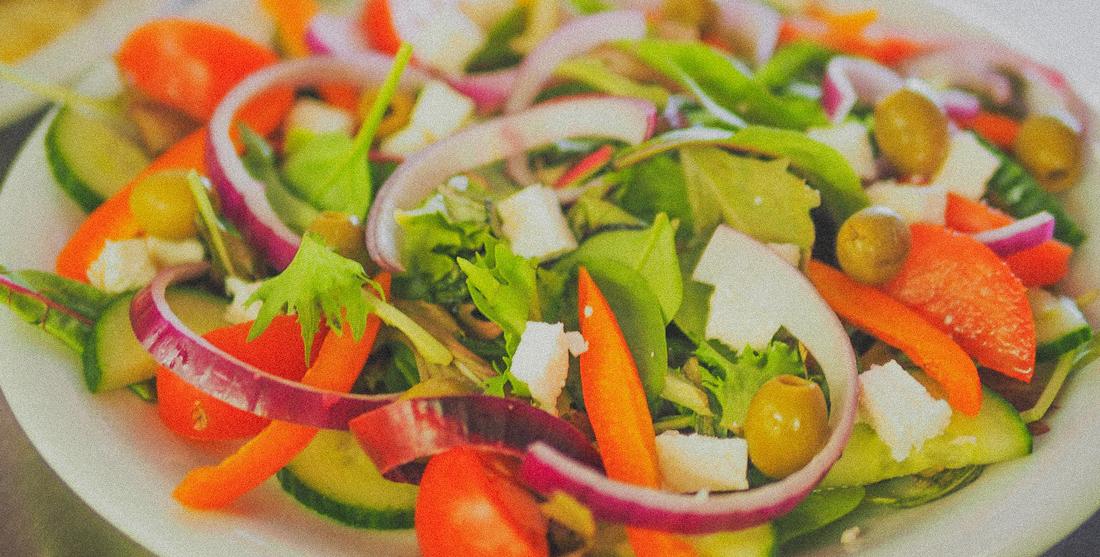Saladas veganas para o Verão
